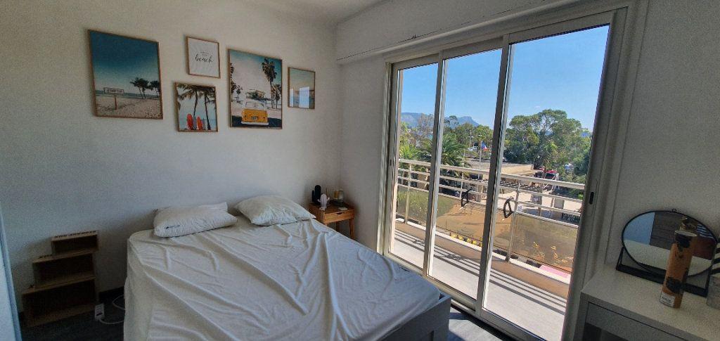 Appartement à louer 3 55m2 à La Seyne-sur-Mer vignette-7