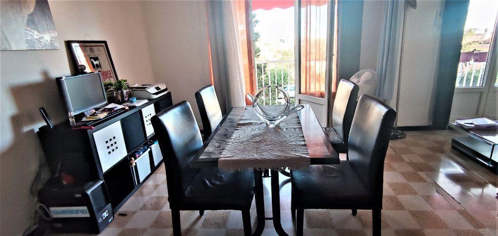Appartement à vendre 3 65m2 à La Seyne-sur-Mer vignette-2