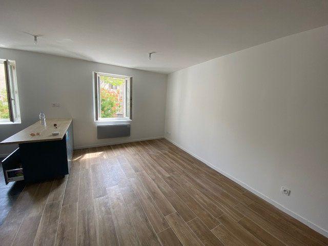 Appartement à louer 2 48.83m2 à Toulon vignette-1