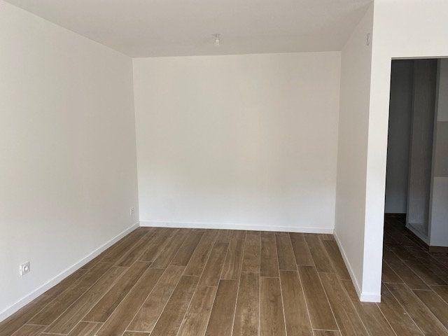 Appartement à louer 2 48.83m2 à Toulon vignette-2