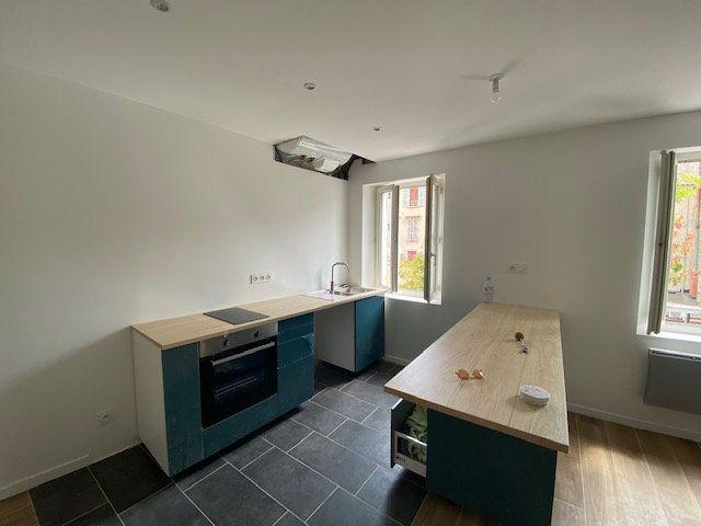 Appartement à louer 2 48.83m2 à Toulon vignette-3