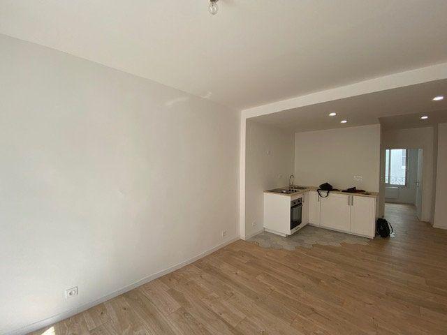 Appartement à louer 3 51.85m2 à Ollioules vignette-1