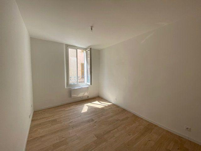 Appartement à louer 3 51.85m2 à Ollioules vignette-3