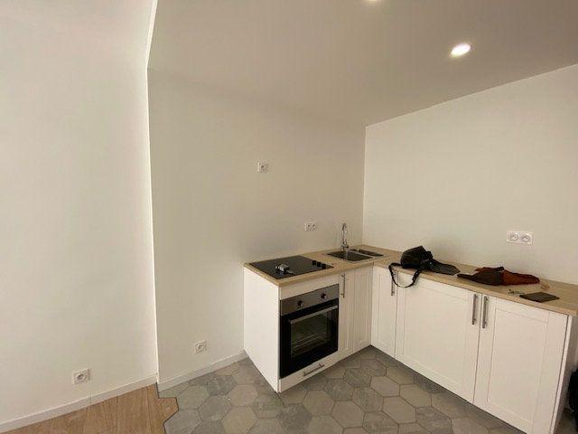 Appartement à louer 3 51.85m2 à Ollioules vignette-6