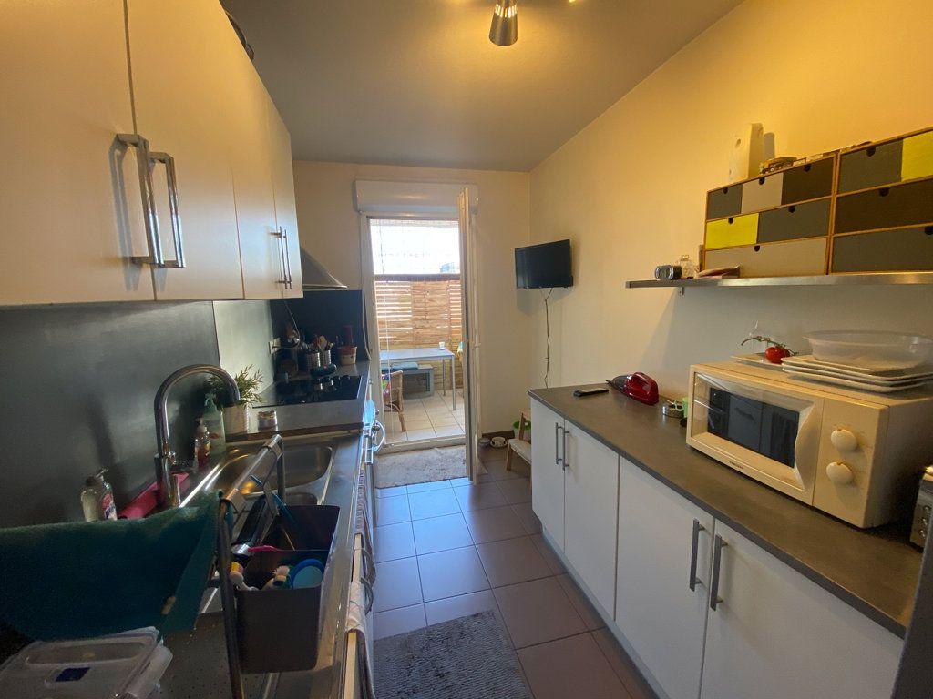 Appartement à vendre 3 71m2 à La Seyne-sur-Mer vignette-6