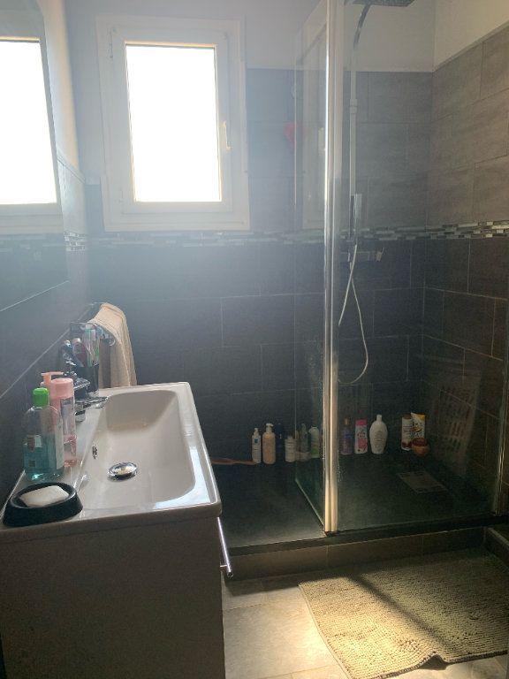 Appartement à louer 5 101.79m2 à Toulon vignette-3