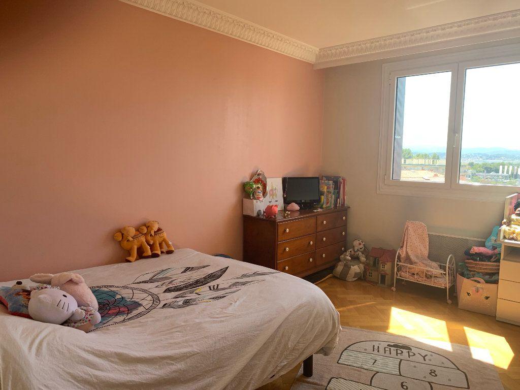 Appartement à louer 5 101.79m2 à Toulon vignette-9