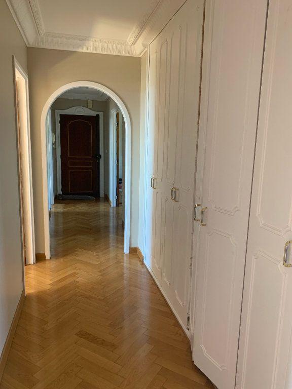 Appartement à louer 5 101.79m2 à Toulon vignette-10