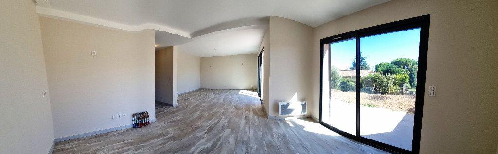 Maison à vendre 5 114m2 à Sanary-sur-Mer vignette-2