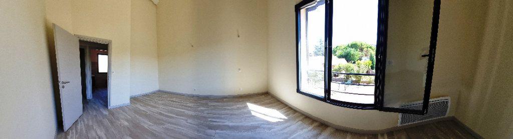 Maison à vendre 5 114m2 à Sanary-sur-Mer vignette-3