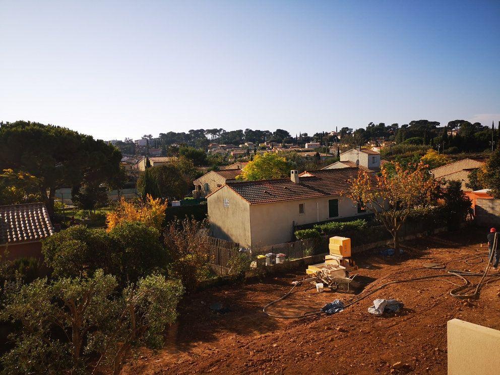 Maison à vendre 5 114m2 à Sanary-sur-Mer vignette-9