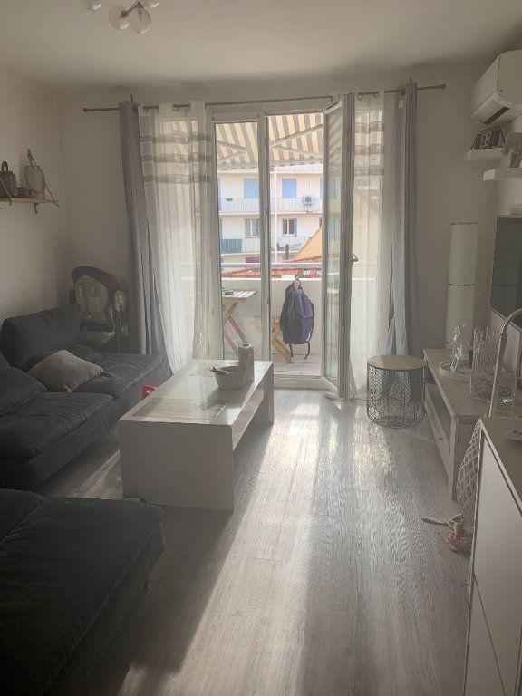 Appartement à louer 3 47.6m2 à La Seyne-sur-Mer vignette-1