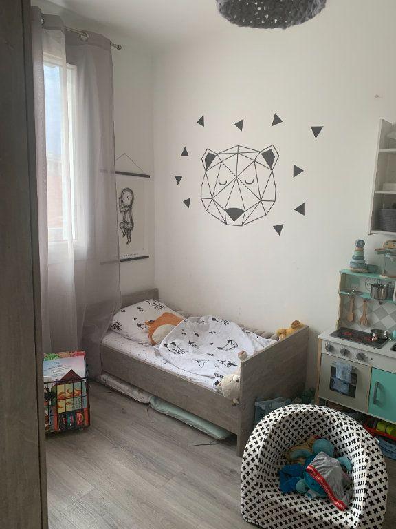Appartement à louer 3 47.6m2 à La Seyne-sur-Mer vignette-4
