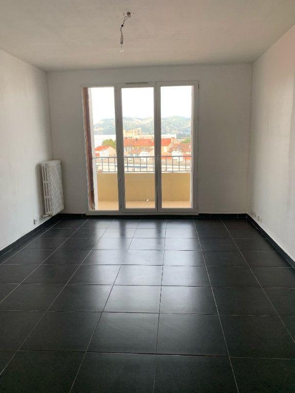 Appartement à louer 3 57m2 à La Seyne-sur-Mer vignette-2