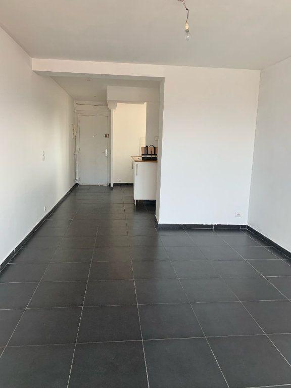 Appartement à louer 3 57m2 à La Seyne-sur-Mer vignette-3