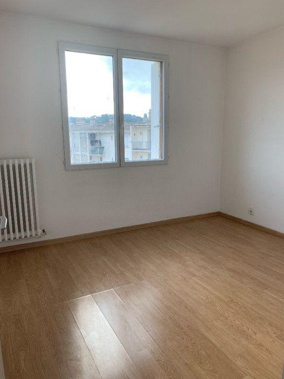 Appartement à louer 3 57m2 à La Seyne-sur-Mer vignette-4