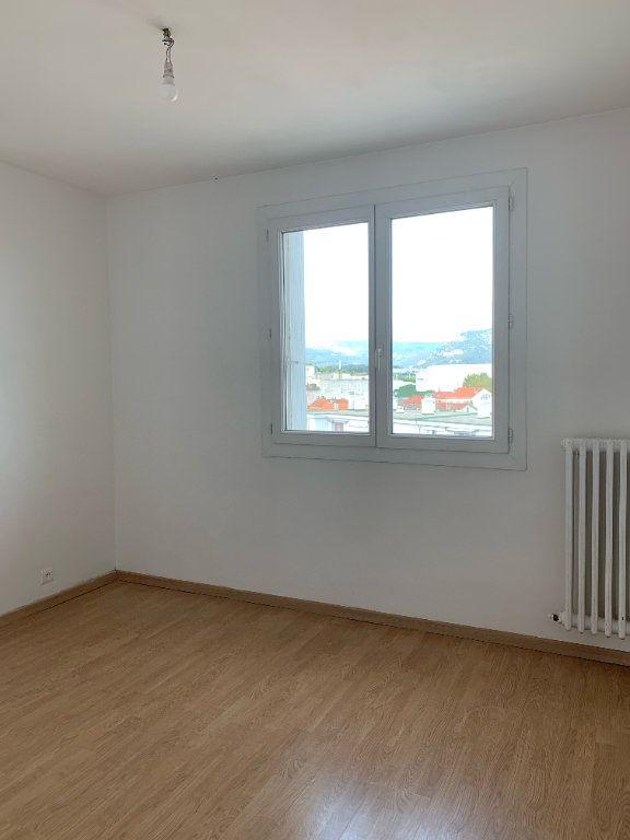 Appartement à louer 3 57m2 à La Seyne-sur-Mer vignette-5