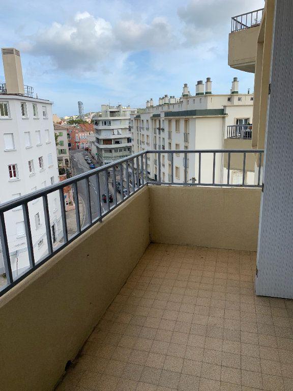 Appartement à louer 3 57m2 à La Seyne-sur-Mer vignette-7
