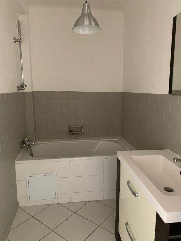Appartement à louer 3 57m2 à La Seyne-sur-Mer vignette-8