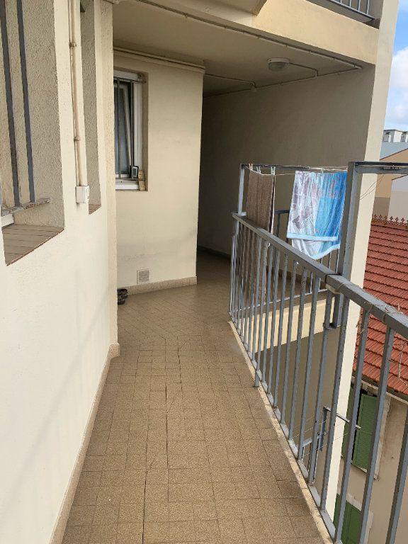 Appartement à louer 3 57m2 à La Seyne-sur-Mer vignette-9
