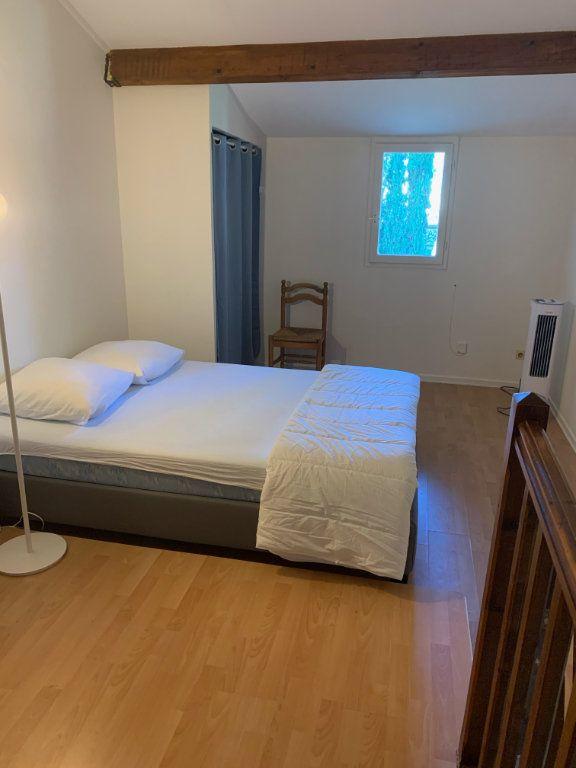 Maison à louer 2 31.85m2 à Sanary-sur-Mer vignette-4