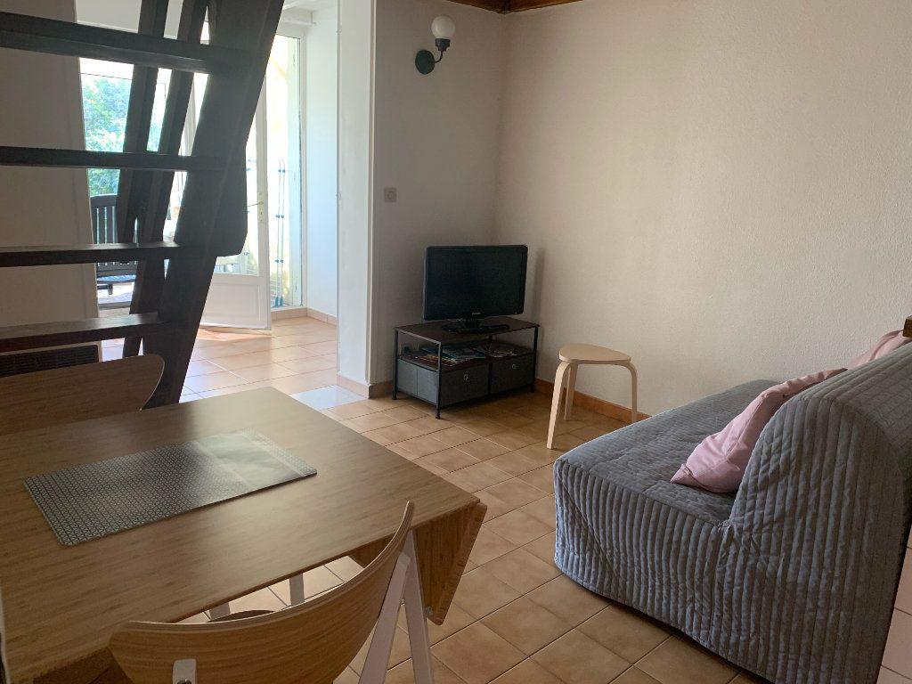 Maison à louer 2 31.85m2 à Sanary-sur-Mer vignette-9