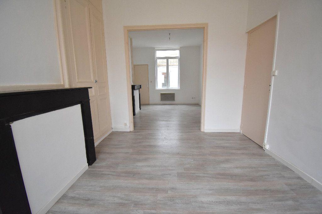 Appartement à louer 3 65m2 à Calais vignette-3