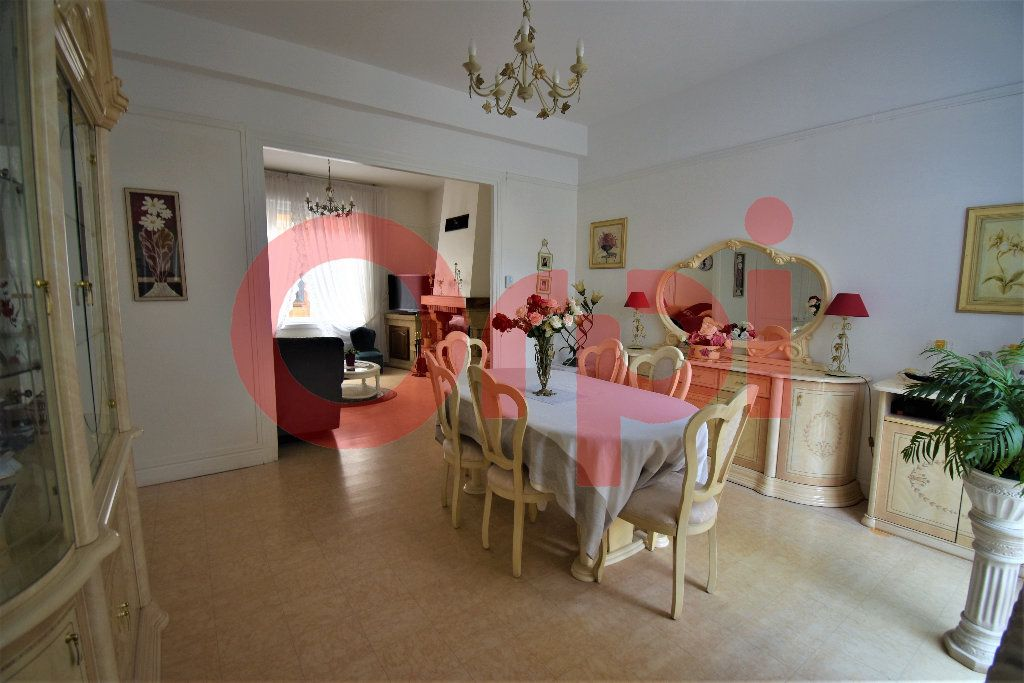 Maison à vendre 5 155m2 à Calais vignette-1