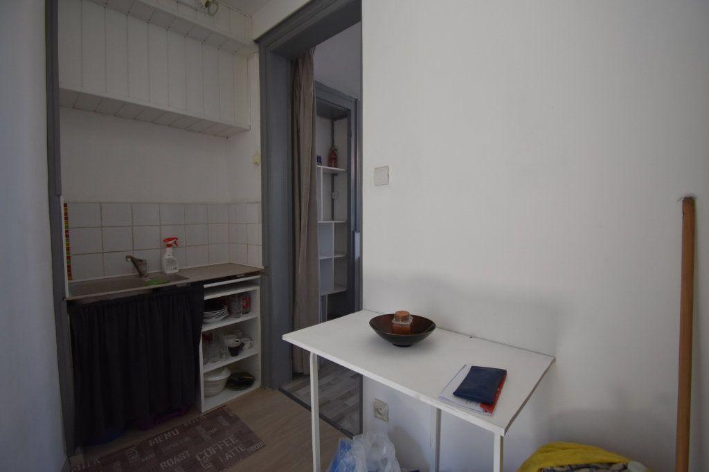 Appartement à louer 1 22.5m2 à Calais vignette-3