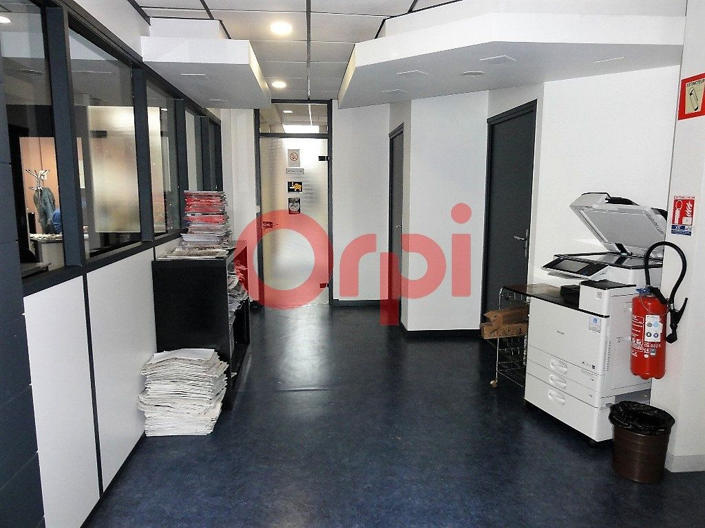 Immeuble à vendre 0 400m2 à Calais vignette-2