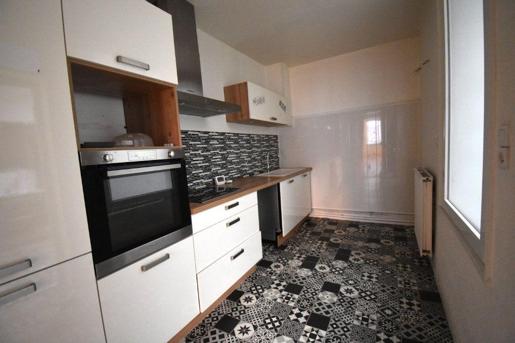 Maison à louer 3 92m2 à Calais vignette-3