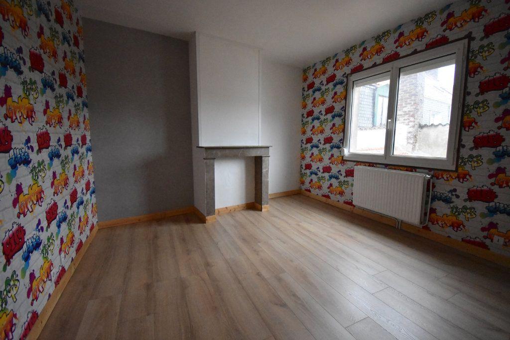Maison à louer 3 92m2 à Calais vignette-6