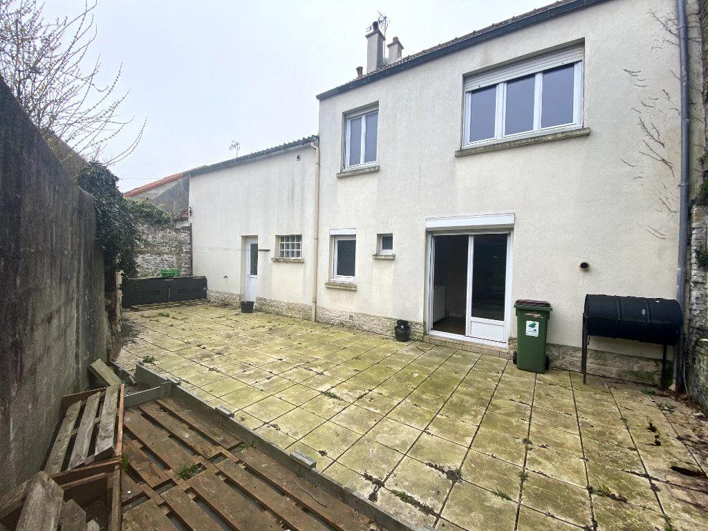 Maison à vendre 6 137m2 à Calais vignette-5