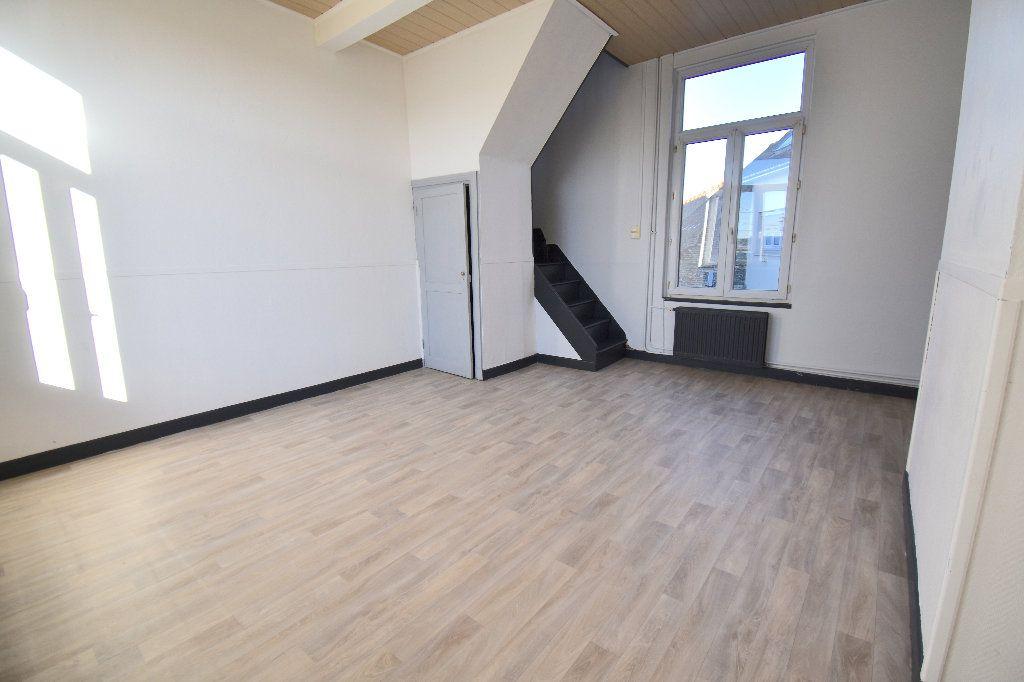 Appartement à louer 3 86m2 à Guînes vignette-1