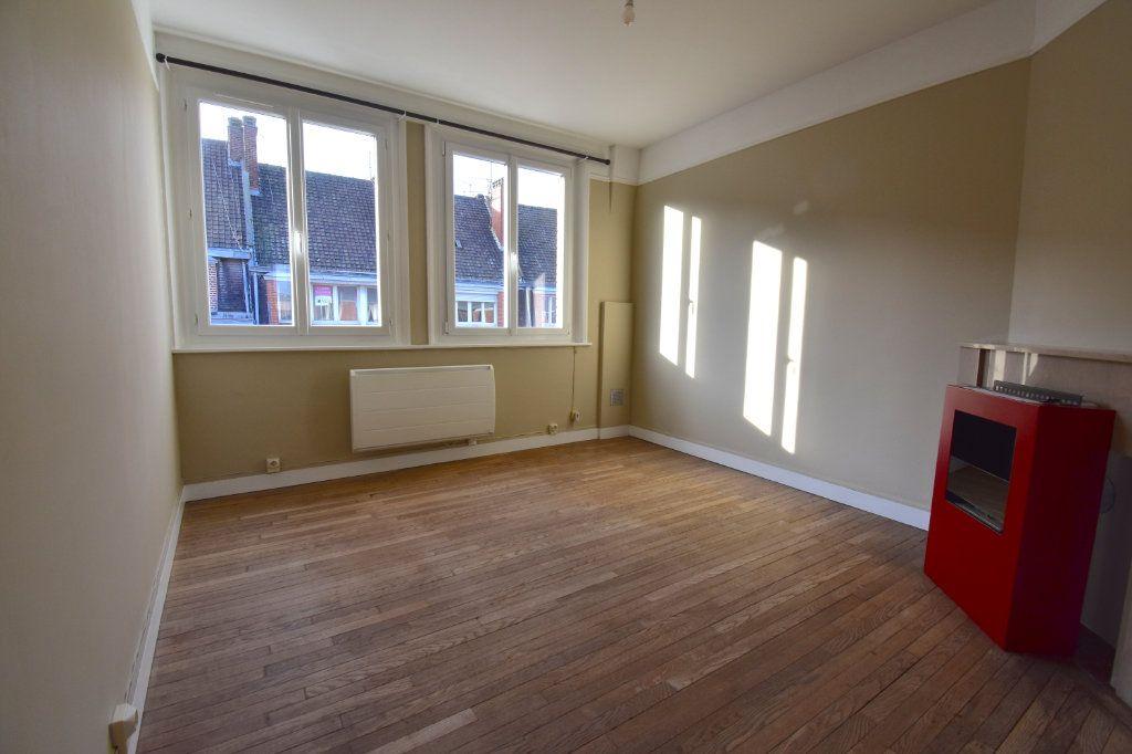 Appartement à louer 3 51.8m2 à Calais vignette-1