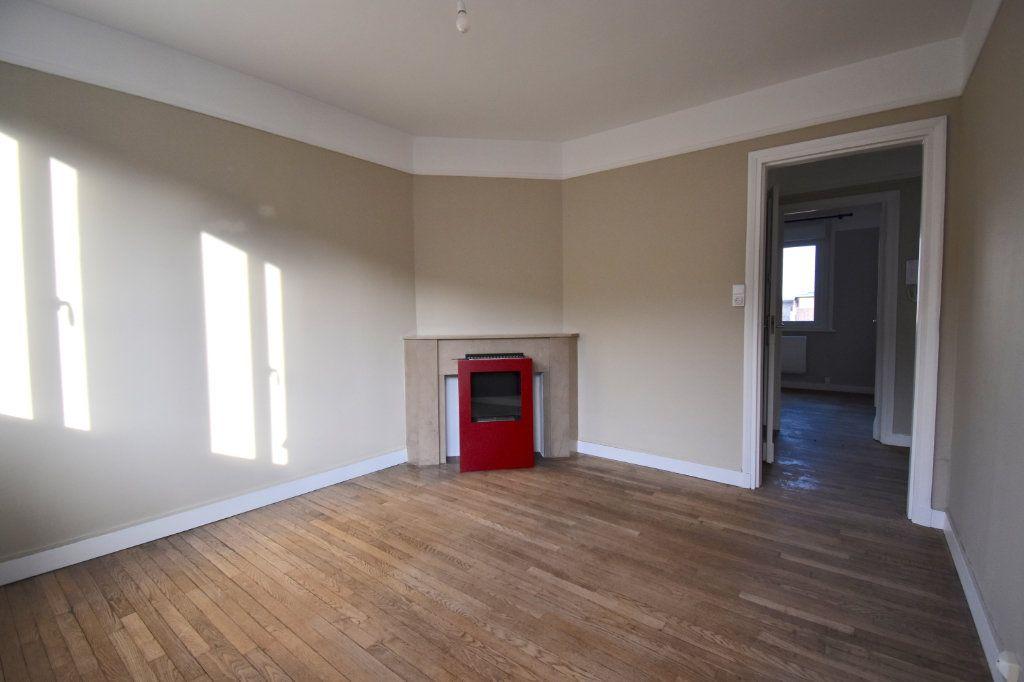 Appartement à louer 3 51.8m2 à Calais vignette-2