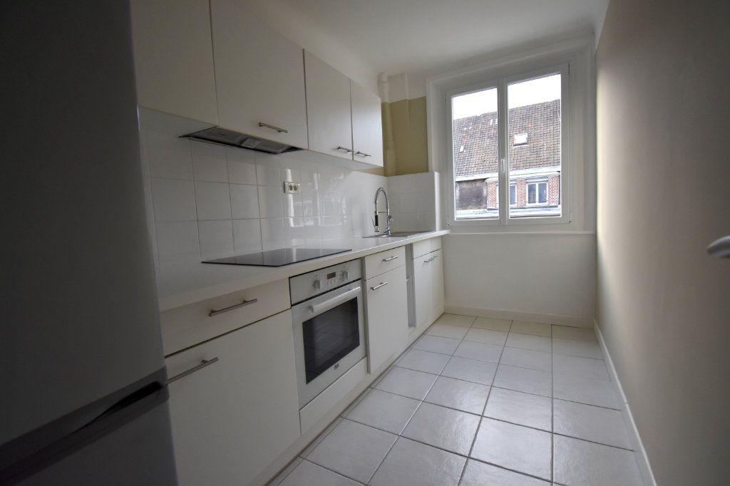 Appartement à louer 3 51.8m2 à Calais vignette-3