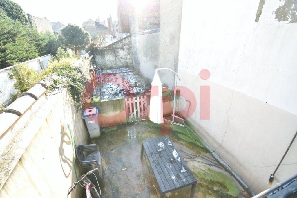 Maison à vendre 4 106m2 à Calais vignette-3