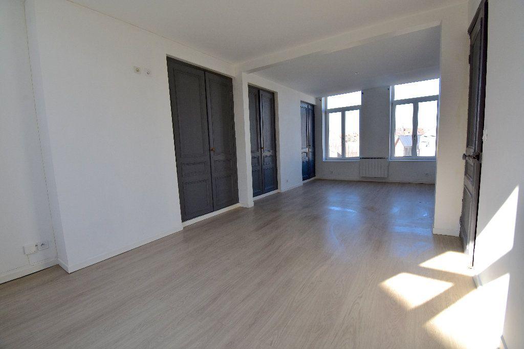Appartement à louer 3 72m2 à Calais vignette-2