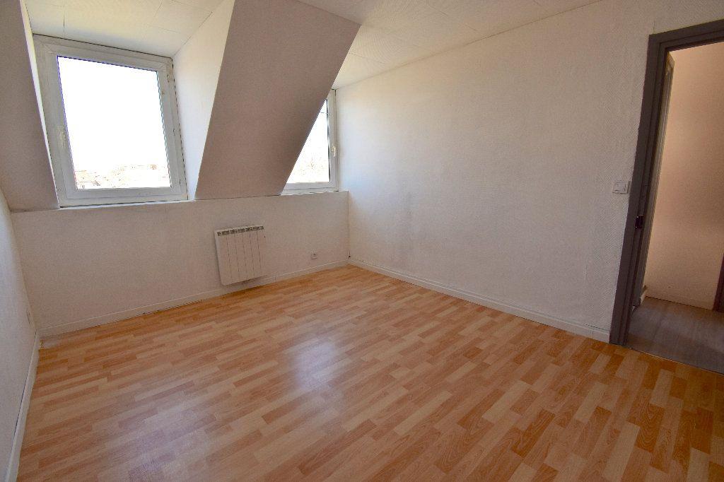 Appartement à louer 3 72m2 à Calais vignette-4