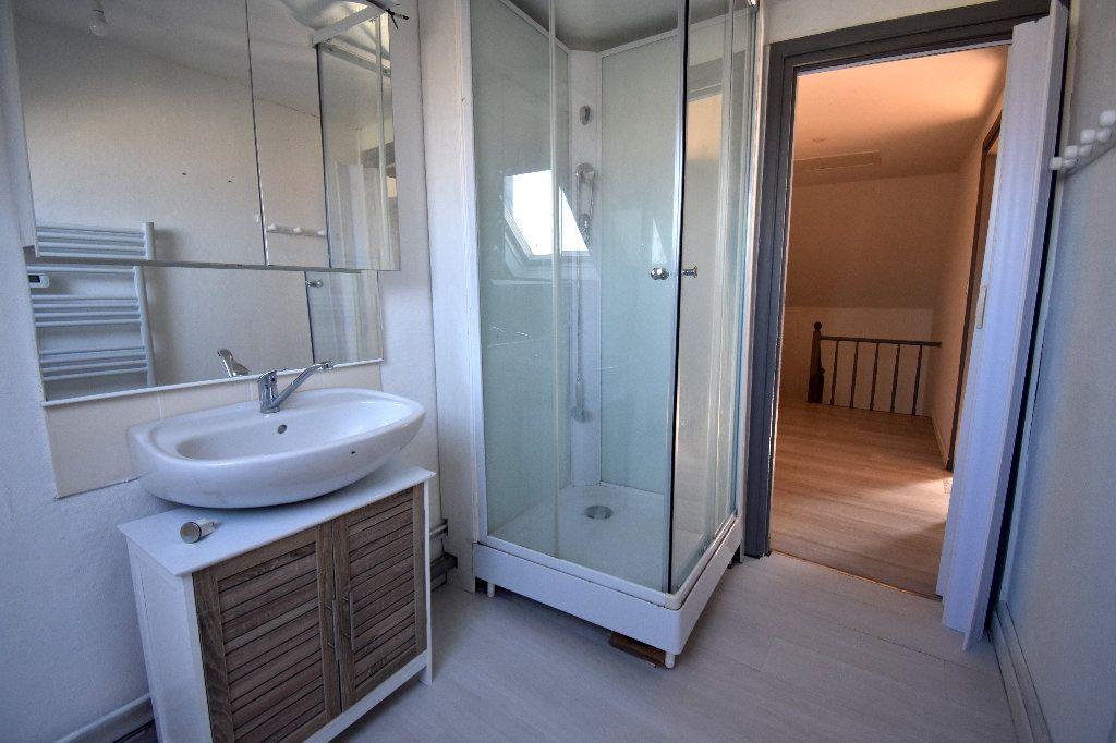 Appartement à louer 3 72m2 à Calais vignette-6