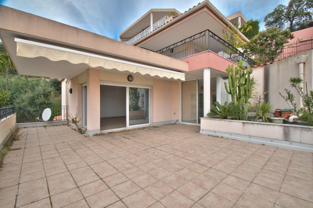 Appartement à vendre 3 84.12m2 à Mandelieu-la-Napoule vignette-1