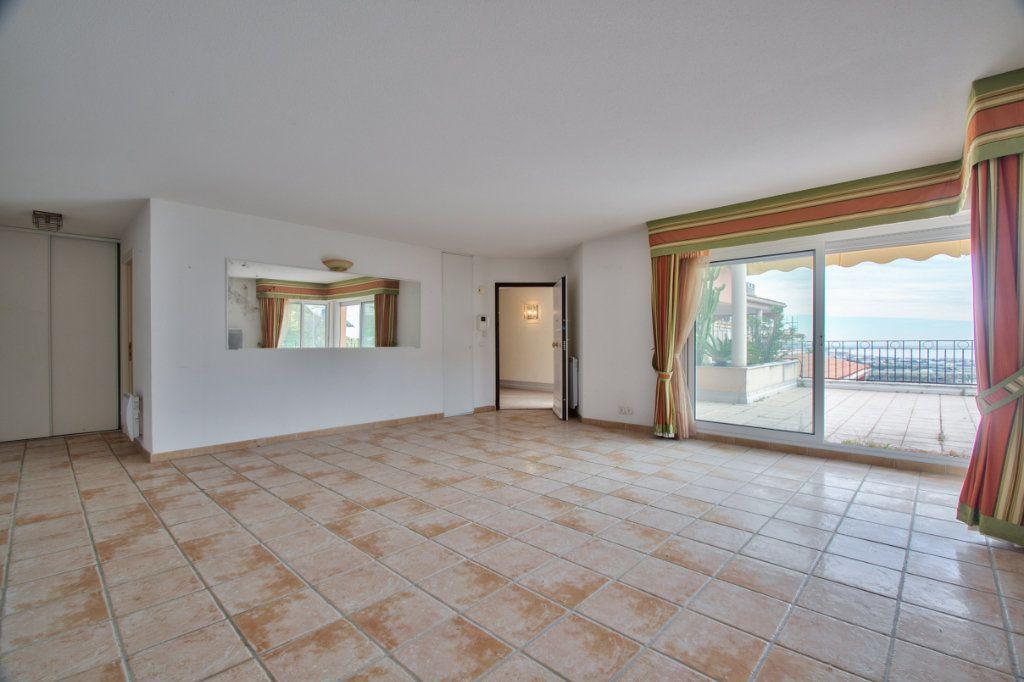 Appartement à vendre 3 84.12m2 à Mandelieu-la-Napoule vignette-2