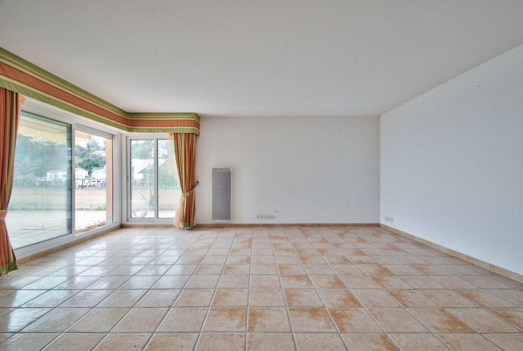 Appartement à vendre 3 84.12m2 à Mandelieu-la-Napoule vignette-4