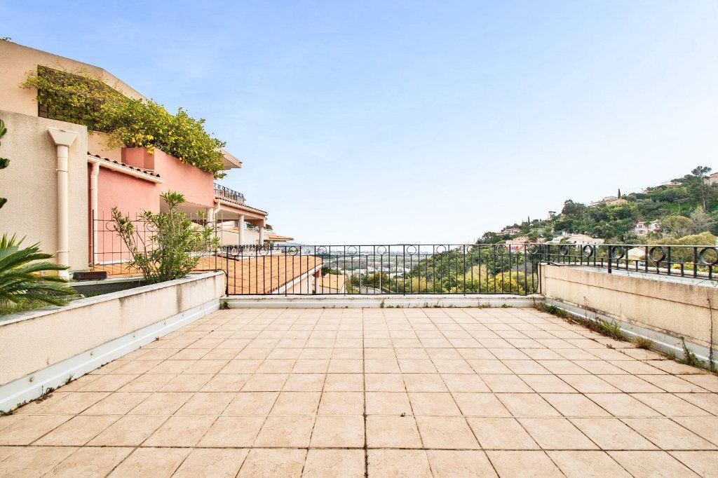 Appartement à vendre 3 84.12m2 à Mandelieu-la-Napoule vignette-5