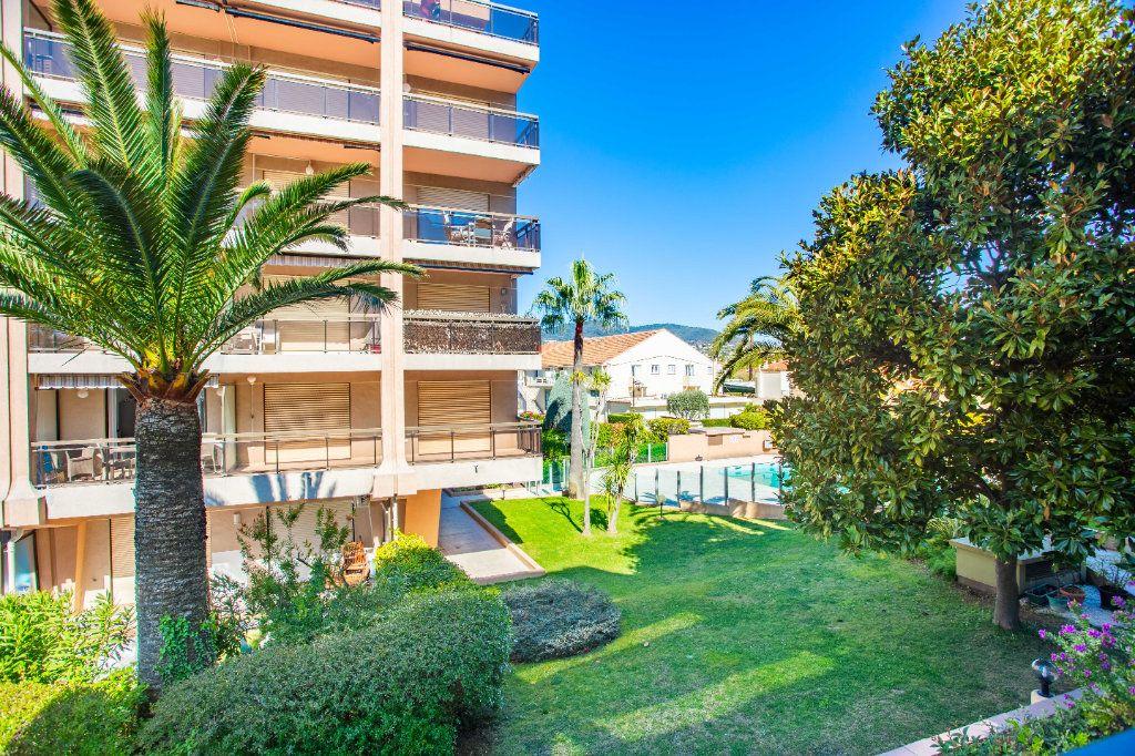 Appartement à vendre 1 22m2 à Mandelieu-la-Napoule vignette-1
