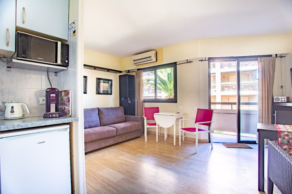 Appartement à vendre 1 22m2 à Mandelieu-la-Napoule vignette-2