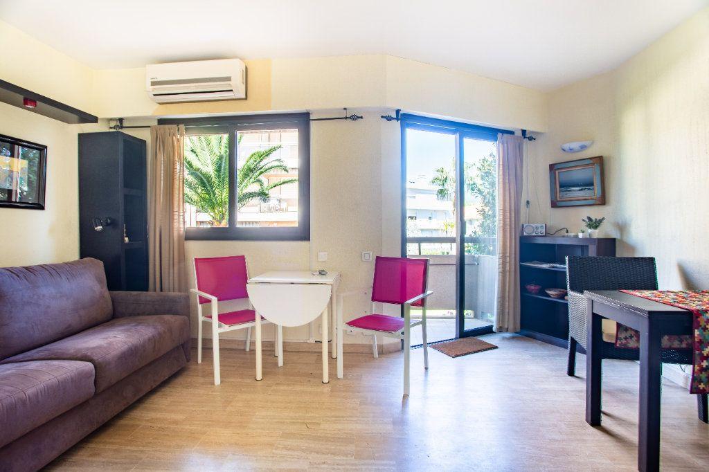 Appartement à vendre 1 22m2 à Mandelieu-la-Napoule vignette-4