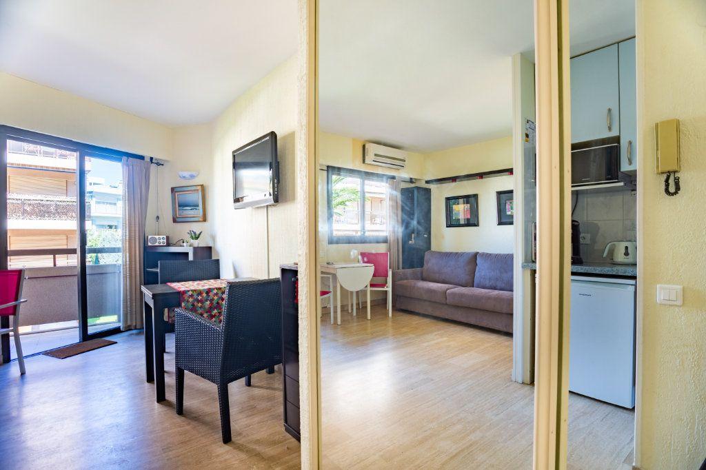 Appartement à vendre 1 22m2 à Mandelieu-la-Napoule vignette-5
