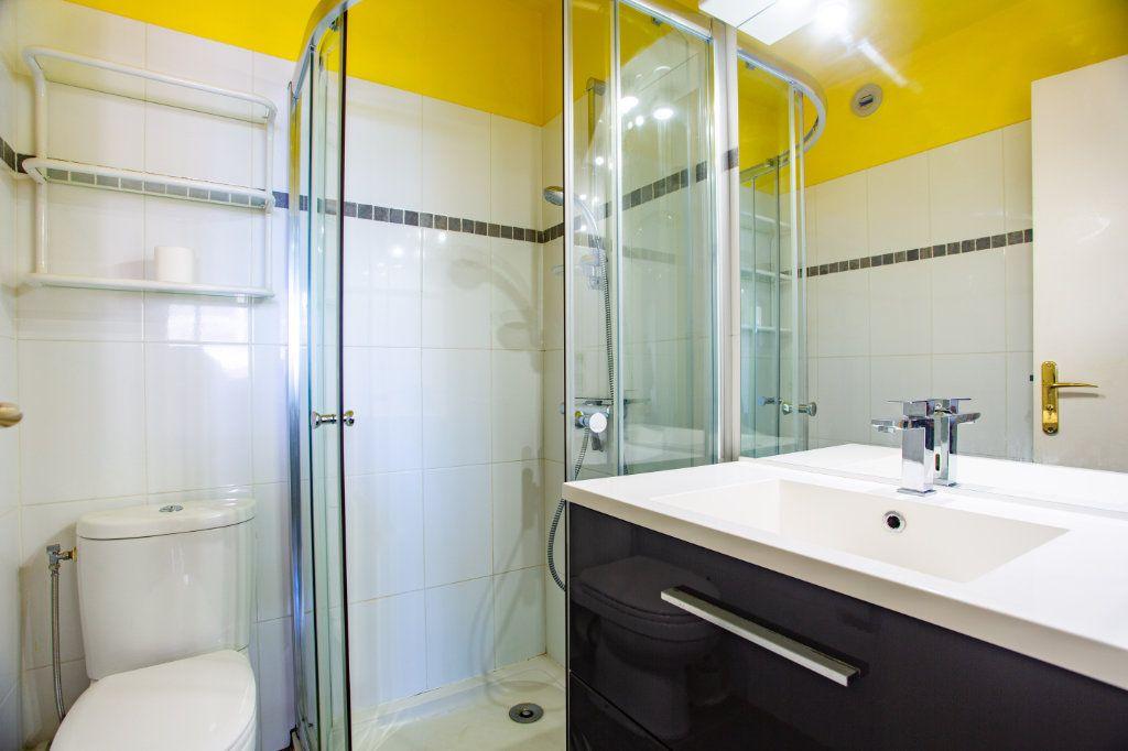 Appartement à vendre 1 22m2 à Mandelieu-la-Napoule vignette-8